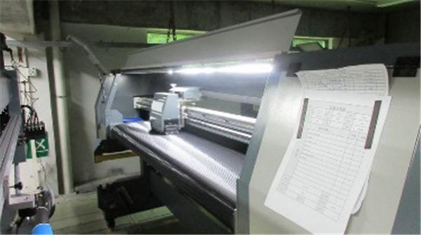 मोठा फॉर्मेट डीएक्स 5 डीएक्स 7 हेड 3.2 एम इको सोलव्हेंट प्रिंटर